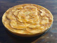 Tarta de manzana con mermelada de melocotón