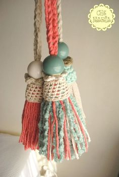 Tassel with a jacket. Yarn Crafts, Bead Crafts, Fabric Crafts, Wood Bead Garland, Beaded Garland, Handmade Crafts, Diy And Crafts, Arts And Crafts, How To Make Tassels