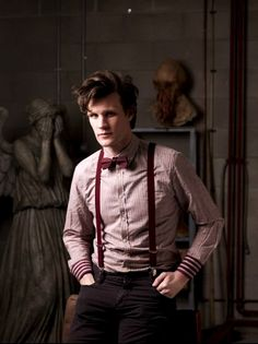 Matt Smith Doctor WhoBow ties are cool, and so are those cuffs, but for goodness sake, that angel is creeping me out! Undécimo Doctor, Eleventh Doctor, Geronimo, Matt Smith, Doctor Who Quotes, Cosplay, Torchwood, Film Serie, Time Lords
