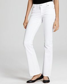 Black flats with white pants/jeans  Iffin I was skinny I would.