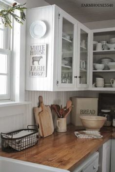 Farmhouse inspired kitchen but aren't ready to rip out your old (or new) cabinets and countertops, there is a way to add a few inexpensive elements that can give you the feel you want! Get 7 INEXPENSIVE tips to help give your kitchen a farmhouse feel! Farmhouse Kitchen Cabinets, Kitchen Redo, Rustic Kitchen, New Kitchen, Farmhouse Kitchens, Country Kitchens, Kitchen Art, Wooden Kitchen, Pantry Cabinets