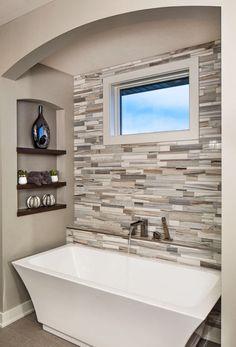Tile ledge behind tub