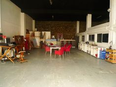 detalle taller pintura Conference Room, Furniture, Home Decor, Atelier, Pintura, Decoration Home, Room Decor, Home Furnishings, Home Interior Design