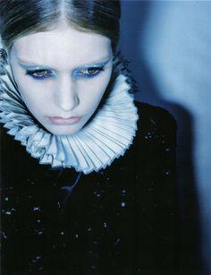 Amica September 2009 #elizabethan beauty