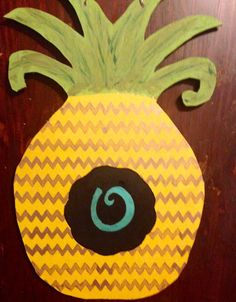 Wooden Pineapple Door Hanger by delinskidesigns. Explore more products on http://delinskidesigns.etsy.com