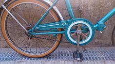 Componentes bicicleta baratos Zaragoza - Dedicados a las bicicletas urbanas y repuestos : Bicicleta de paseo color turquesa ; conservando la originalidad