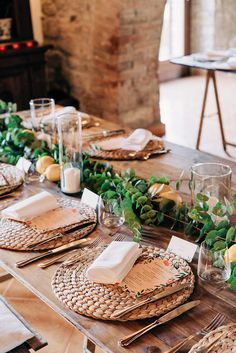 Country wedding in Tuscany. Table decòr with green runner of eucalyptus and olive leaves, lemons and candles. Rustic Wedding Centerpieces, Wedding Table Decorations, Wedding Table Settings, Wedding Tables, Wedding Ideas, Gold Candle Holders, Gold Candles, Tea Light Candles, Sorrento Weddings