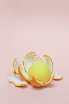 Creative Abstract, Pantones, and Tennis image ideas & inspiration on Designspiration Fruit Photography, Still Life Photography, Creative Photography, Minimal Photography, Object Photography, Colour Photography, Photography Ideas, Vive Le Sport, Eugenia Loli