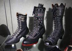 Výstava Boty, Botky, Botičky  Ženská šněrovací obuv zvaná Jančary a Brylenky, Morava