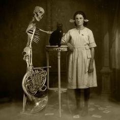 bizarre vintage photographs | Weird Vintage Photography « ⓔMORFES