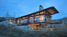 Architecture firm Olson Kundig have designed Bigwood House, a modern mountain home located in Ketchum, Idaho, US. Cantilever Architecture, Residential Architecture, Contemporary Architecture, Architecture Design, Futuristic Architecture, Modern Wooden House, Modern House Design, Loft Design, Diy Design