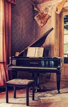 A really beautiful reminder,nothing lasts forever,except the music you leave behind. #Piano #learnpiano