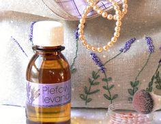 Teplá, sladkastá, bylinná vôňa levandule posilňuje nervy a harmonizuje myseľ. V starostlivosti o pleť podporuje regeneráciu, prekrvenie pokožky a hojí rany.  #lavenderoil #essentialoils #Modrapupava #levandulovy_olej
