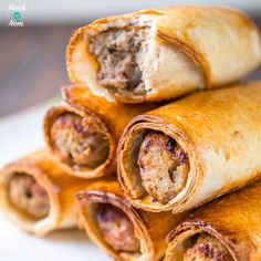 Sausage Rolls - Pinch Of Nom I do LOVE Sausage Rolls. Especially ones that aren't made using thins or bread! These Slimming World Syn Free Sausage Rolls are perfect for anything! Slimming World Snacks, Slimming World Recipes Syn Free, Slimming Eats, Healthy Eating Recipes, Low Calorie Recipes, Healthy Snacks, Cooking App, Cooking Recipes, Cooking Videos
