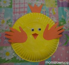 momstown Calgary made these paper plate and handprint chicks at their Easter party earlier this year, but they are also a perfect farm themed craft.