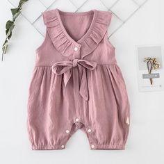 Langbeiniger Overall für Mädchen. Overall. # Babyoverall – Baby – Leggy jumpsuit for girls. Baby Girl Romper, Baby Girl Dresses, Baby Dress, Baby Bikini, Baby Outfits, Kids Outfits, Jumpsuits For Girls, Girls Rompers, Rompers For Kids