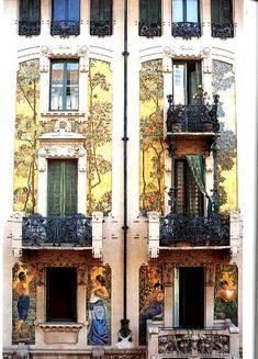 Decor e blablabla: Passeggiare a Milano (ultima parte) Art Nouveau Architecture, Architecture Details, Interior Architecture, Crystal Palace Madrid, Beautiful Buildings, Beautiful Places, Milan Design, Art Deco Period, Italy Travel