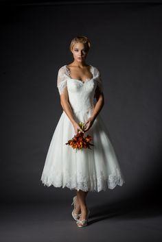 Rita Mae Style by designer - brautkleidvintag Simple Wedding Gowns, Tea Length Wedding Dress, Formal Dresses For Weddings, Tea Length Dresses, Dressy Dresses, Bridal Wedding Dresses, Dream Wedding Dresses, Wedding Bride, Wedding Ideas