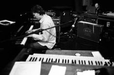 STEVE WINWOOD Steve Winwood, Music Pics, Eric Clapton, Keyboard, Musicians, Portraits, Cream, Box, Creme Caramel