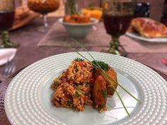 Veja a receita completa do Arroz espanhol no site do Canal Sony! Paella, I Love Food, Tandoori Chicken, Carne, Food Porn, Food And Drink, Rice, Beef, Homemade