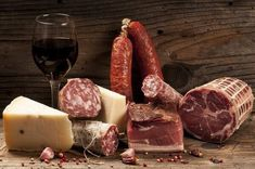 Charcuterie boards involve a selection of gourmet meats and sausages. Red Wine Cheese, Charcuterie Board, French Food, Appetizers, Boards, Desserts, Gourmet Meats, Sausages, Pointers