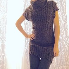 Sleeveless sweater dress ⛄️❄️This is a dark brown, turtleneck, sleeveless dress. It looks great with long sleeved shirt and boots. Sweaters Cowl & Turtlenecks