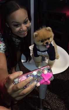 Nia Sioux taking a selfie with Jiff at the Reality TV Awards May 13, 2015!!
