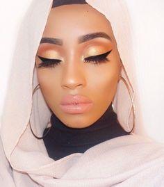 Makeup artist makeupbysamiraa using GWA's lashes in Merbabe #gwalondon