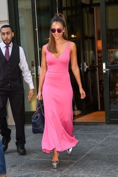 Jessica Alba teamed her Narciso Rodriguez dress with Giuseppe Zanotti shoes.