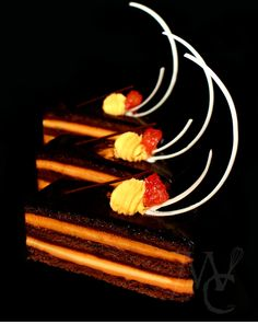 Orange Opera Cake: Chocolate cinnamon joconde * Dark (70%) chocolate ganache * Orange pastry cream * Saffron mousse * Chocolate mirror glaze Small Desserts, Mini Desserts, Chocolate Orange, Chocolate Ganache, Chocolate Mirror Glaze, Michelin Food, Opera Cake, Mirror Glaze Cake, Brunch