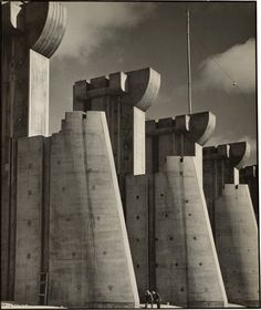 "American photographer Margaret Bourke-White was born #onthisday (June 14) in 1904. (""Fort Peck Dam, Montana,"" 1936) Natl Gallery of Art (@ngadc) 