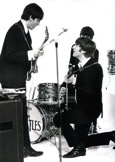 Paul McCartney and John Lennon (Reliving_Beatlemania on Xanga)