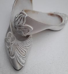 Bridal Wedding Shoes Soft White or Ivory Satin Elegant Classical Style Court Shoe , corded lace with  silver and gold thread. Medium Heel.