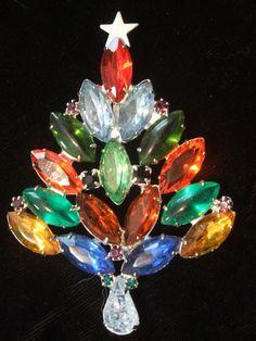 All Rhinestone Christmas Tree Pin