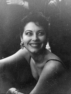 gatabella: Ava Gardner, c.1954
