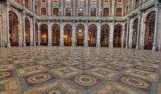 Pátio das Nações - pátio interno no Palácio da Bolsa de Valores do Porto