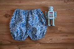 Baby Boy & Girl. Culotte Liberty 100% algodón http://www.littlevalentina.com/collections/baby-boy/products/culotte-liberty-azul