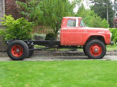 old ford trucks Old Ford Trucks, Farm Trucks, Custom Trucks, Cool Trucks, Pickup Trucks, Ford 4x4, Lifted Trucks, Jeep 4x4, Ford Bronco