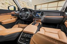 2016 Volvo XC90 T6 AWD Inscription interior view 02