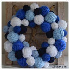 lankakeräkranssi kranssi wreath sinivalkoinen blue and white winter wreath Winter White, Christmas Diy, Crochet Necklace, Blue And White, Wreaths, Throw Pillows, Activities, Ideas, Crochet Collar