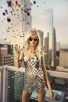 2017 > Cara Delevingne para campanha Cruise 18' da Jimmy Choo