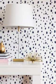 The prettiest little moment featuring our Zoe Bench and our Navy Spotted wallpaper! #caitlinwilsontextiles #cwwallpaper