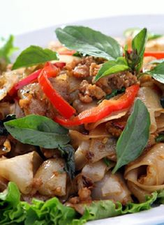 Low FODMAP Recipe and Gluten Free Recipe - Chicken with chilies & basil http://www.ibssano.com/low_fodmap_recipe_chicken_chilies_basil.html