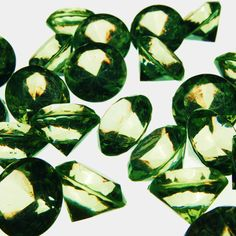 "Cys® Acrylic Crystal Diamond Confetti Table Scatter 3/4"" 1 Lb. Bag - Apple"