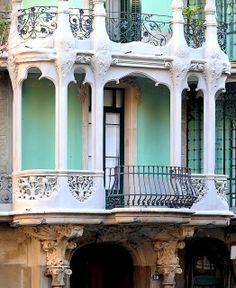 Barcelona - Roger de Llúria ~ Casa Josefa Villanueva