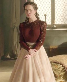"""Lady Lola - """"Terror of the Faithful"""" Season Episode in a Watters for BHLDN Ahsan Tulle Skirt in blush Reign Fashion, Fashion Tv, Fashion Outfits, Lola Reign, Marie Stuart, Anna Popplewell, Reign Dresses, Lady L, Classic Outfits"""