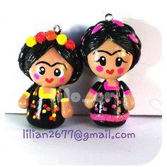 Fridas. #coldporcelain #porcelanicron #lilo_or #porcelanafria #fridafriday #fridakhalo #handmade #hechoamano #claycharms #dijes #jewelry #accessories #craft  lilian2677@gmail.com ✌