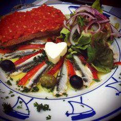 Boquerones et pan con tomate