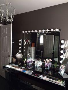 Makeup Room Ideas room DIY (Makeup room decor) Makeup Storage Ideas For Small Space - Tags: makeup room ideas, makeup room decor, makeup room furniture, makeup room design RoomFurniture Sala Glam, Rangement Makeup, Vanity Room, Vanity Area, Ikea Vanity, Vanity Mirrors, Vanity Shelves, Vanity Tables, Diy Vanity