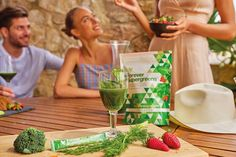 Aloe vera has powerful benefits that help you look better and feel better inside and out. Aloe Vera for Skin, Hair and Plant Care. Forever Aloe, Health Goals, Health And Wellbeing, Superfood, Shake, Post Workout Smoothie, Forever Business, Protein Rich Foods, Giving Up Smoking